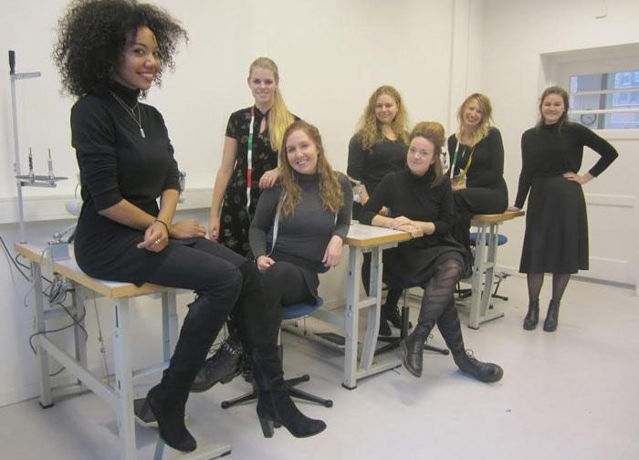 Het Amsterdam Fashion Week debuut van... Anbasja Blanken