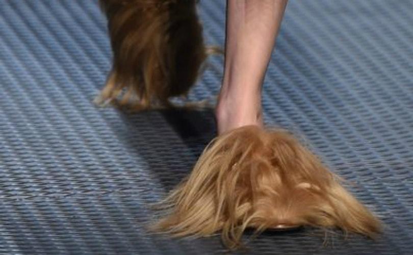 Meisjesachtige mode tijdens Milan Fashion Week
