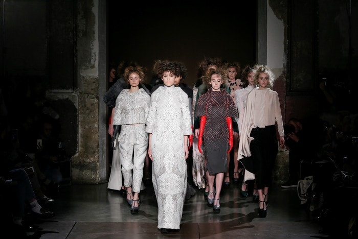 In beeld: Hoogtepunten Paris Fashion Week