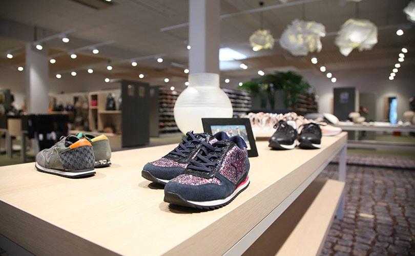 Miss Etam-eigenaar neemt optie op schoenenketen Brantano