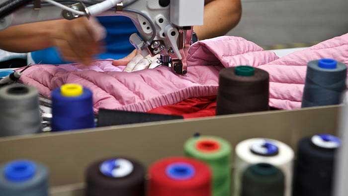 Jaarlijks worden er 21,5 miljoen kledingstukken verspild