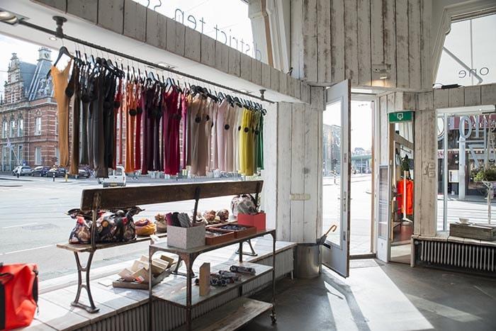 Kijken: Linhard wordt concept store District 10|71
