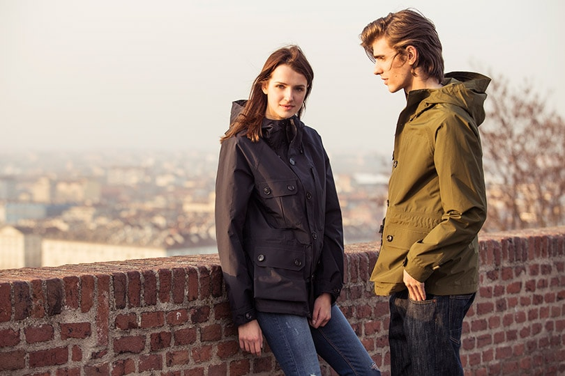 THE WOOLRICH E-BIKE ROAD SHOW by DEUS EX MACHINA and the new GTX MOUNTAIN JACKET with GORE-TEX®