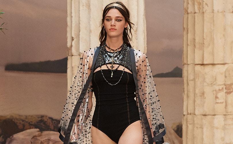 In Beeld: Chanel brengt Griekse Oudheid naar Parijs