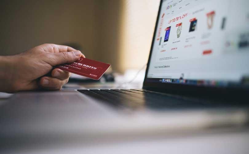 """CBS: """"623 miljoen euro aan kleding en schoenen aankopen bij buitenlandse webwinkels"""""""