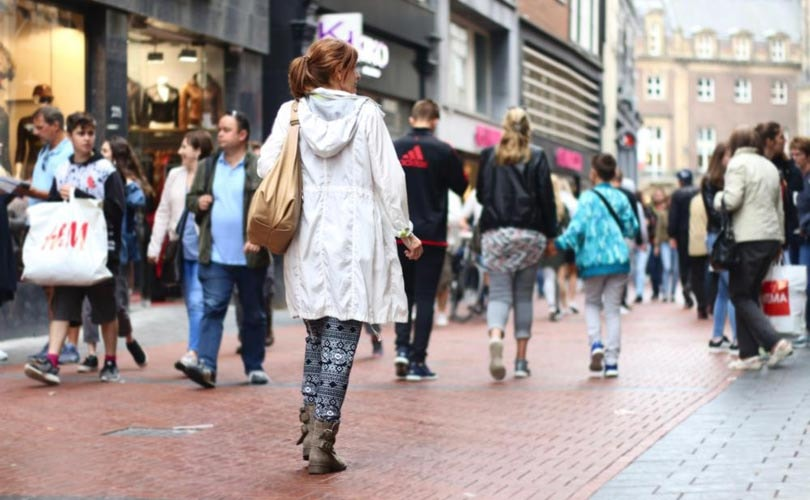 Nederlandse Kleding.Nederlandse Spaarders Besparen Het Vaakst Op Kleding
