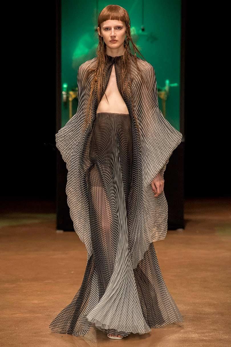 Kijken: Iris van Herpen showt op de Parijse coutureweek
