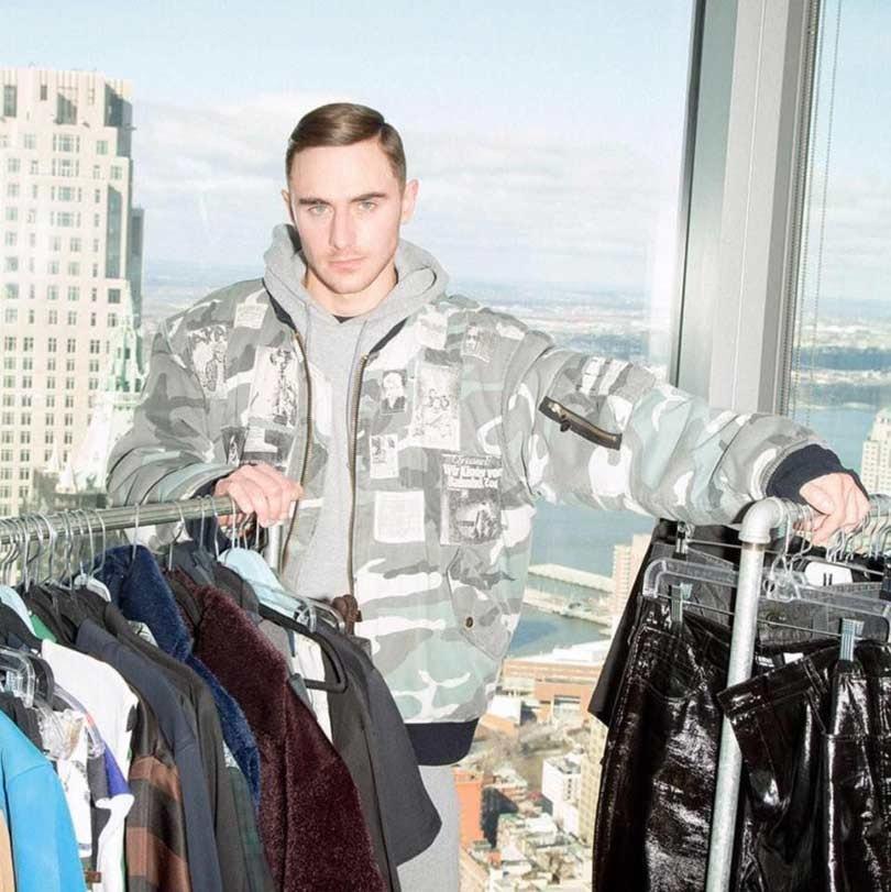 Modeontwerpers in de schaduw van geliefde voorgangers