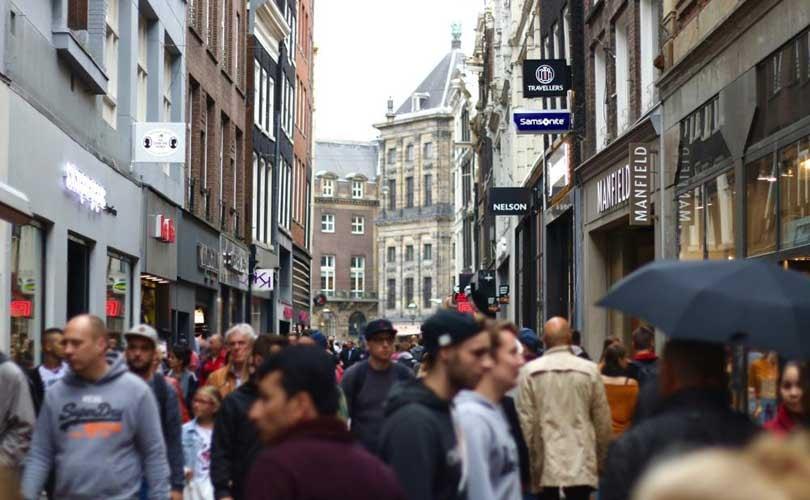 Drukte in Nederlandse winkelstraat groeit, Maastricht is winkelhoofdstad