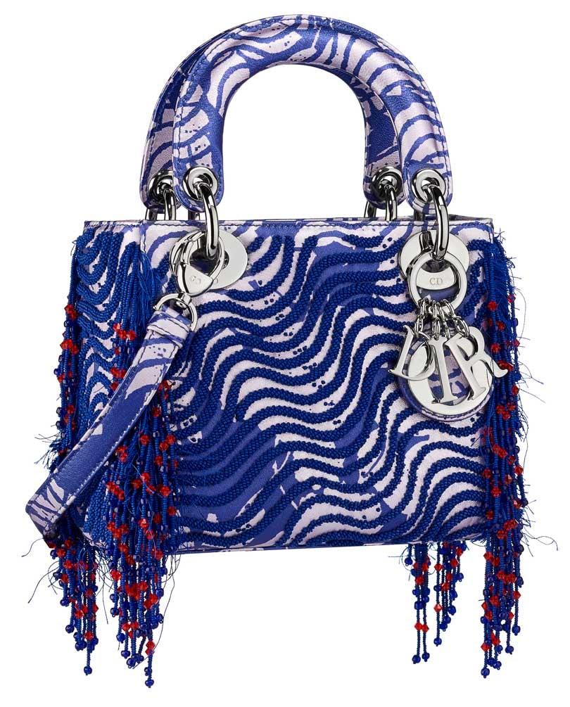 In Beeld: kunstenaars ontwerpen eigen tas voor Dior Lady Art #2