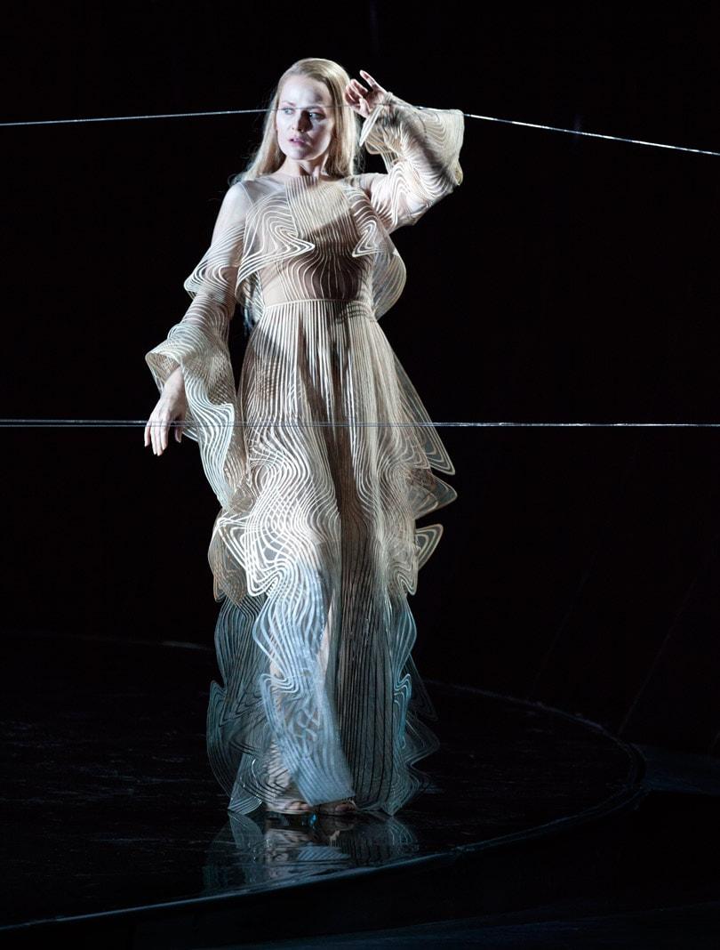 KIjken: Iris van Herpen ontwerpt kostuums voor 'Pelléas et Mélisande' Opera Vlaanderen