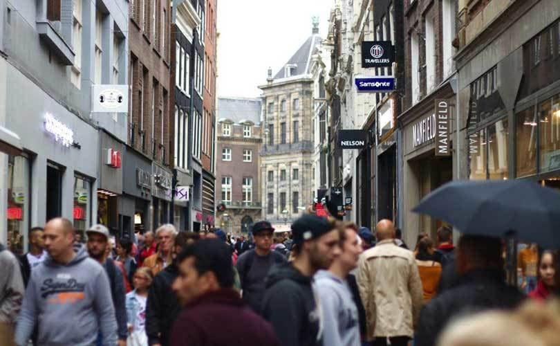 Locatus: Aantal passanten winkelstraat stijgt met vijf procent