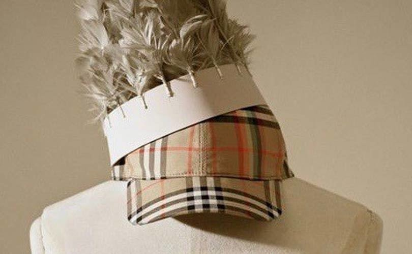 Burberry versterkt e-commerce door partnerschap met Farfetch