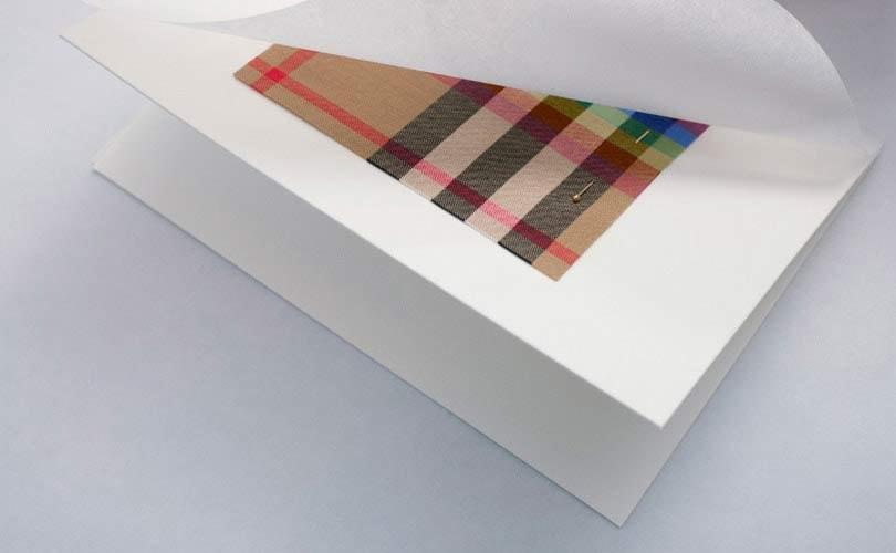 Burberry lanceert regenboog-collectie voor LGBTQ-gemeenschap