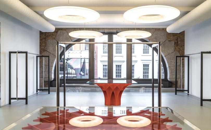 Binnenkijken bij de Alaïa winkel in Londen, eerste flagshipstore buiten Parijs
