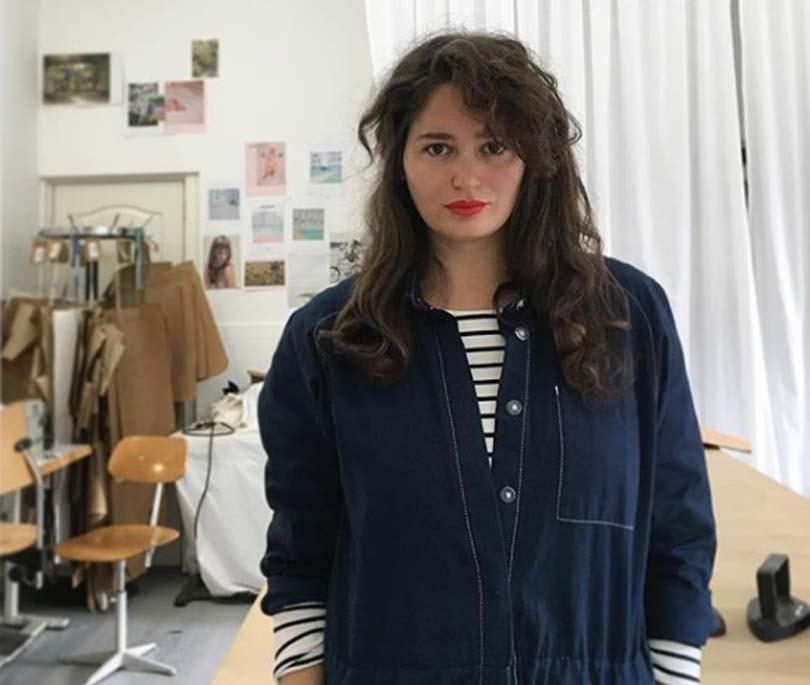 """Rotterdamse modemaker Daisy Kroon: """"Ik ben mij er bewust van dat er al zoveel kleding wordt gemaakt"""""""