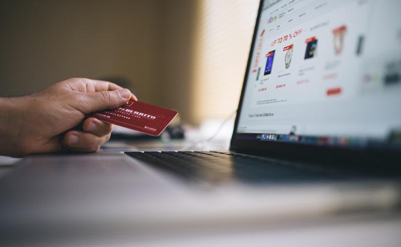 Thuiswinkel: Nederlanders geven 28 procent meer uit in buitenlandse webshops