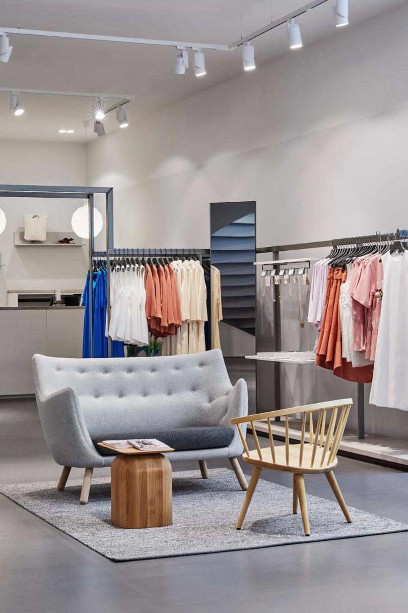 Cos opent winkel in Utrecht
