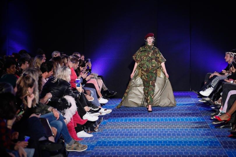Ontwerper Benchellal maakt haute couture van oude legeruniformen