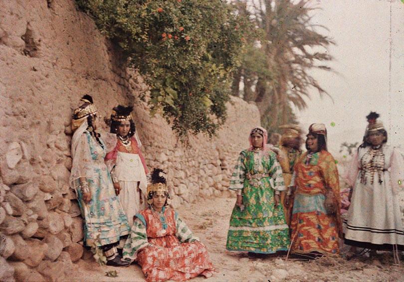 Eerste kleurenfoto's rijke studiebron voor modehistorici