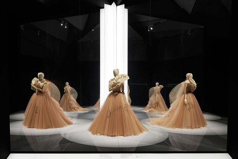 Binnenkijken: De 'Christian Dior: Designer of Dreams' tentoonstelling