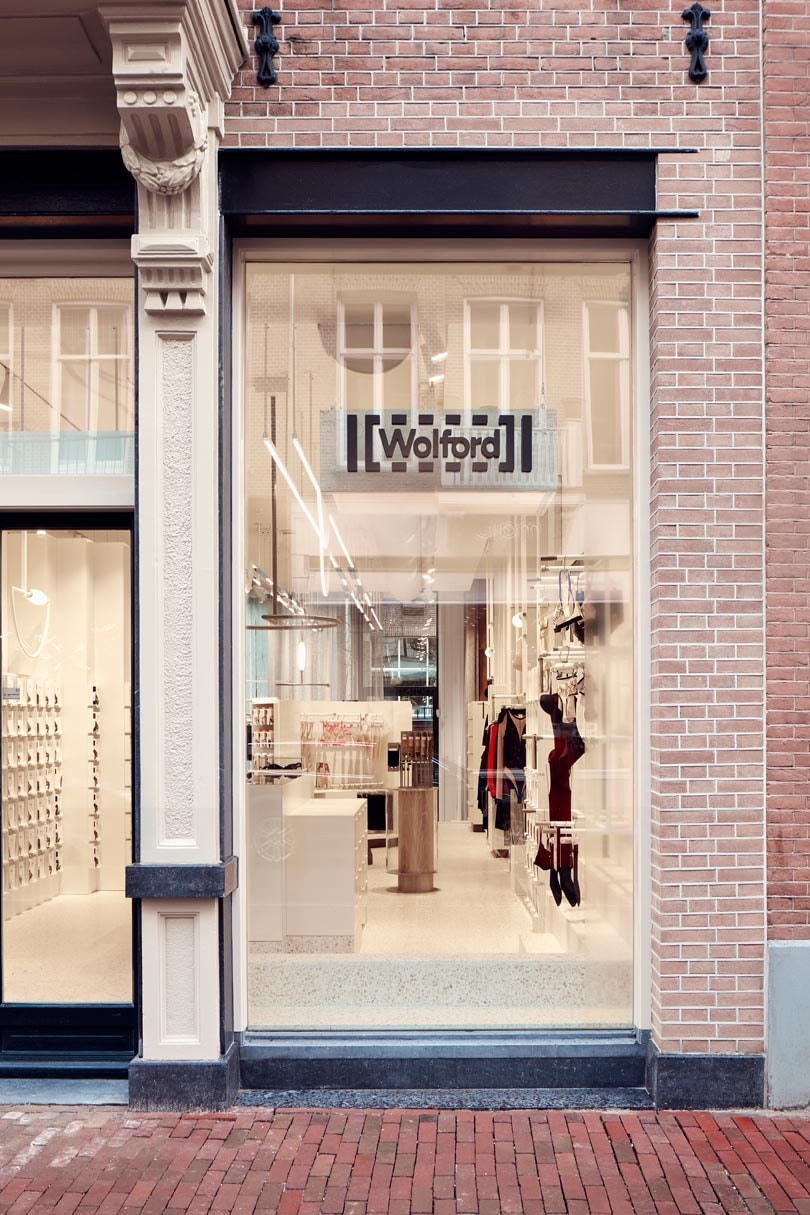 Nieuwe merkstrategie Wolford komt voor het eerst tot leven in Amsterdamse winkel