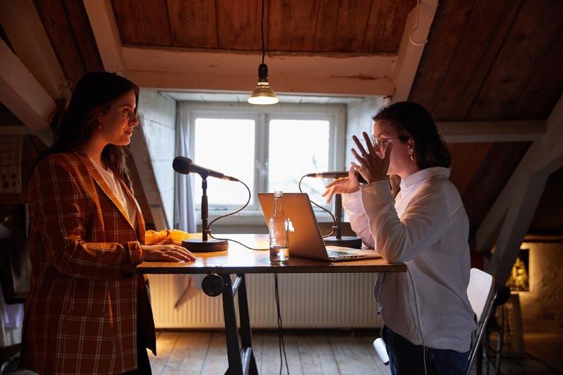 Hunkemöller lanceert podcast-serie, curvy topmodel Danielle van Grondelle trapt af