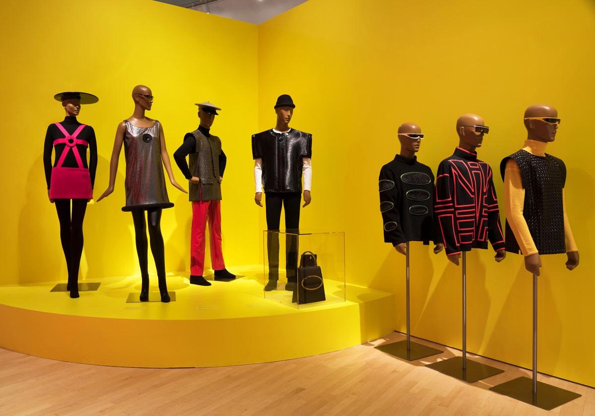 Binnenkijken bij de 'Pierre Cardin: Future Fashion'-tentoonstelling