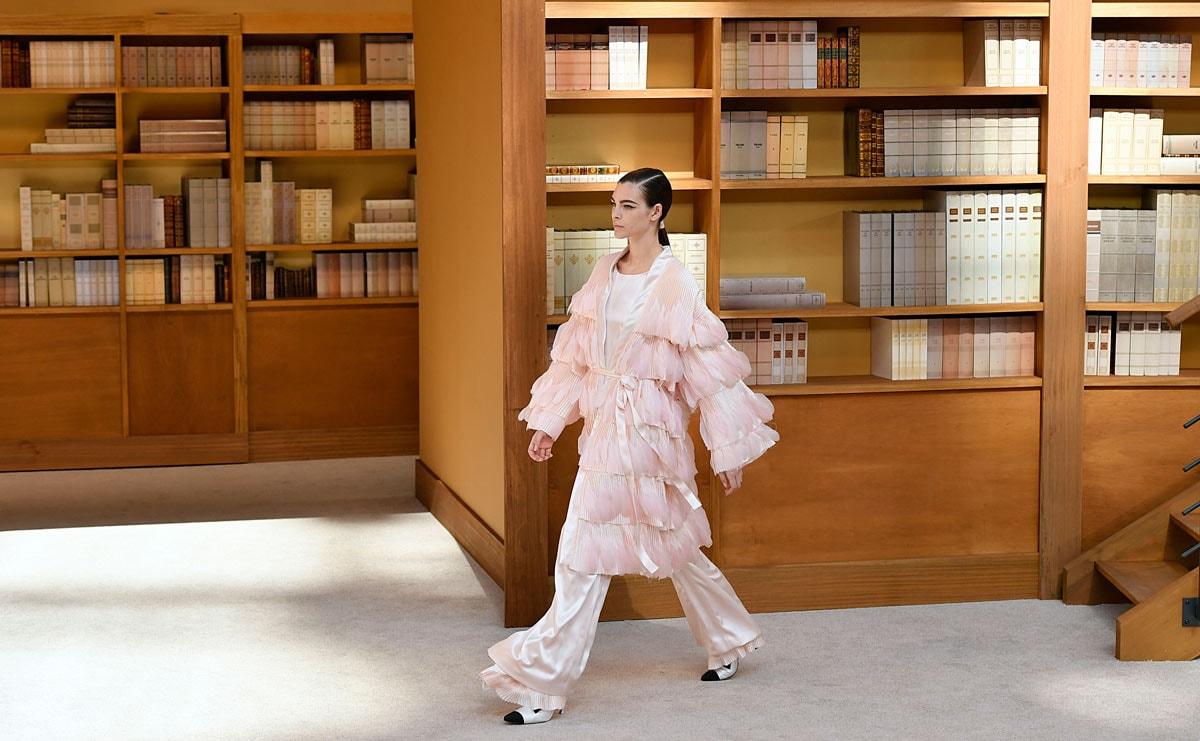 Een jaar later: Hoe Chanel, Fendi en het merk Karl Lagerfeld verder gingen zonder Karl