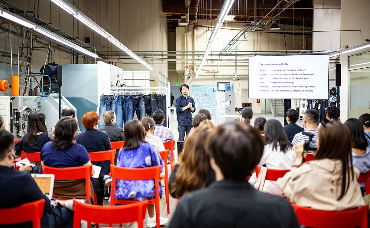 Binnenkijken bij Uniqlo's Jeans Innovation Center in Los Angeles