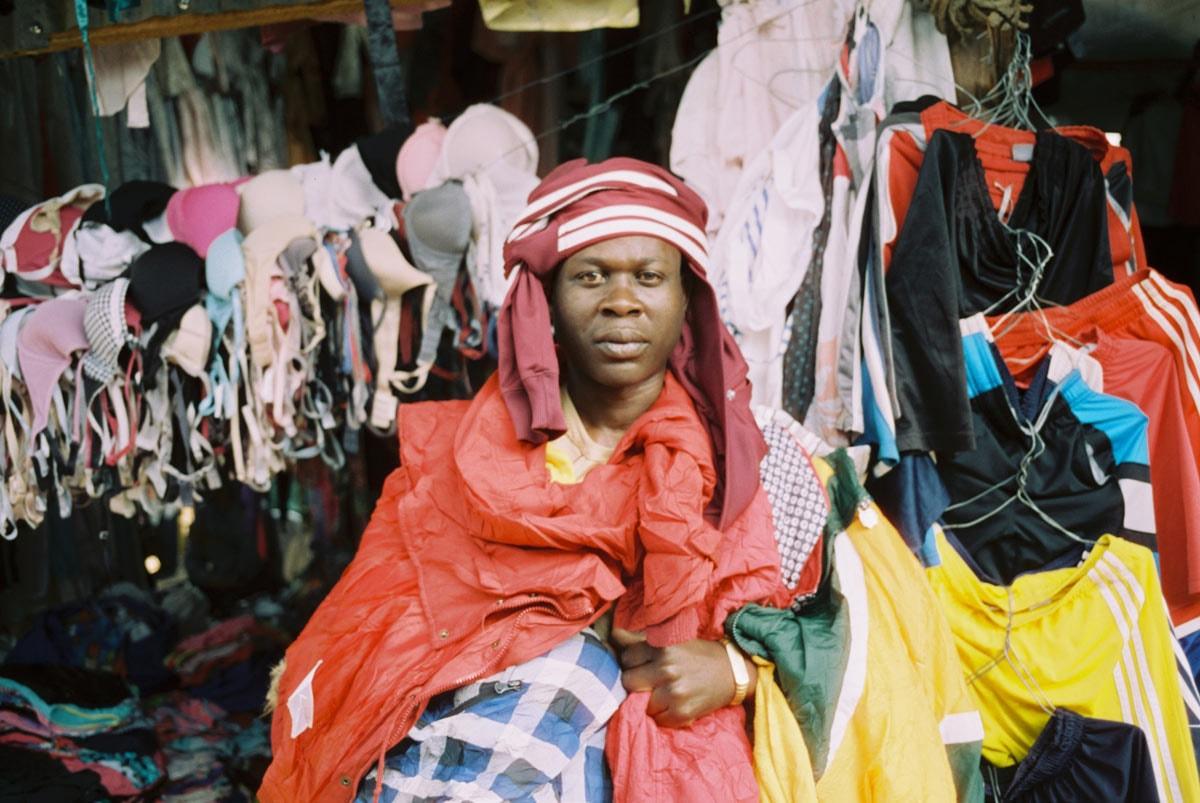 Documentaire 'Goodwill Dumping' toont wat gebeurt met gedoneerde tweedehands kleding