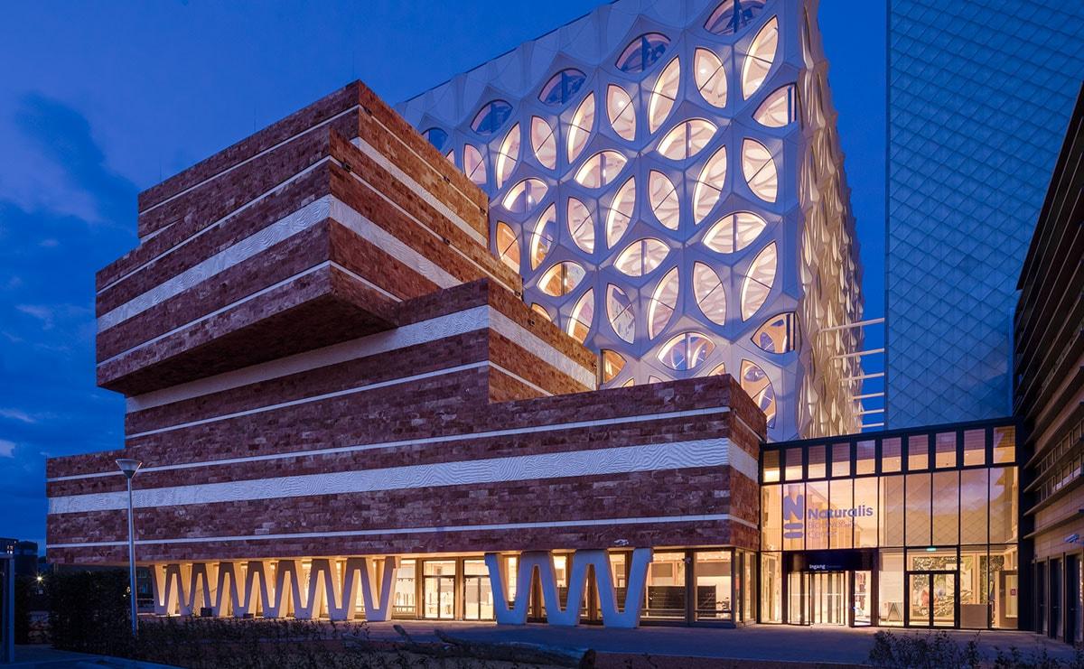 Iris van Herpen duikt in architectuur voor Naturalis in Leiden