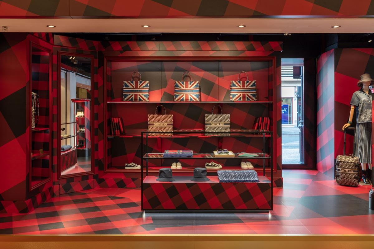 Binnenkijken bij de pop-up winkel van Dior in Harrods