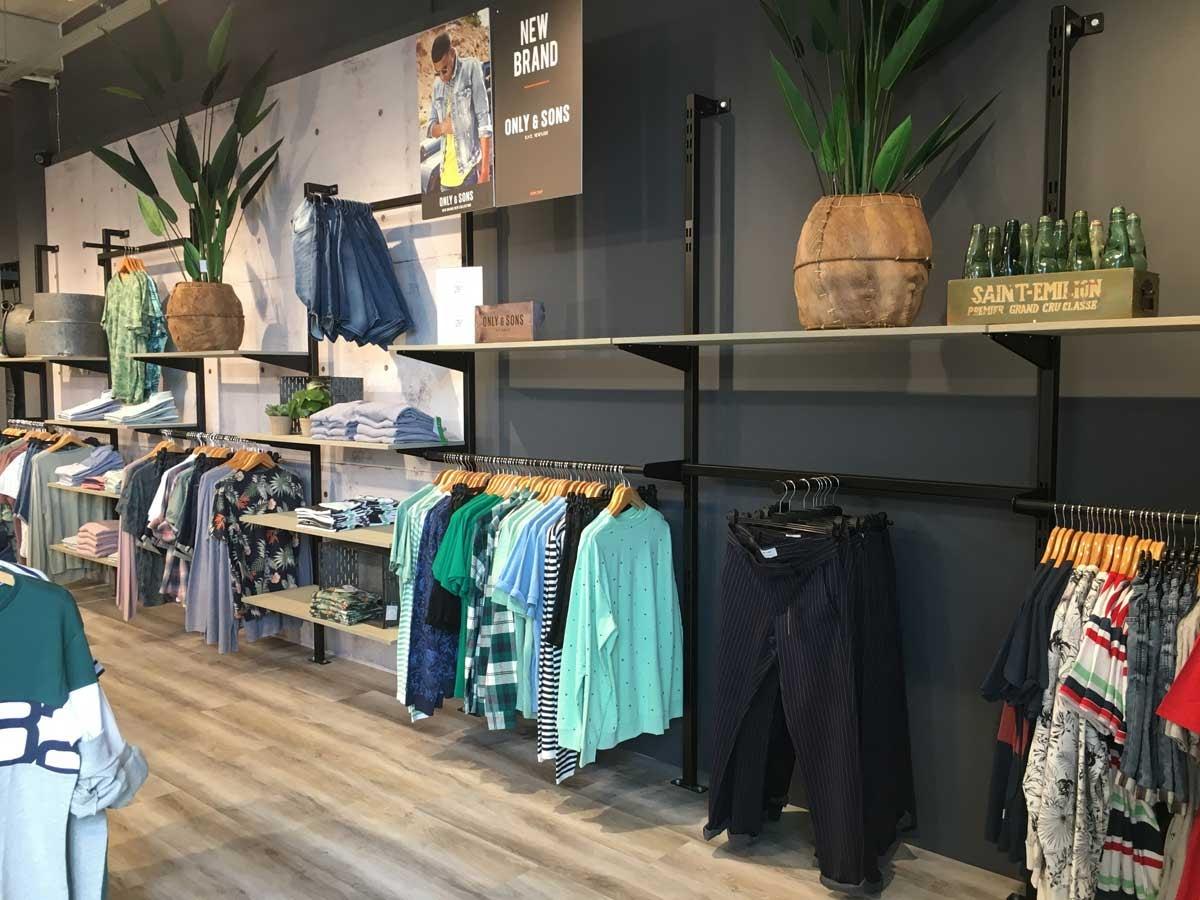 """Het succes van Okay Fashion & Jeans: """"Je moet je boerenverstand gebruiken"""""""