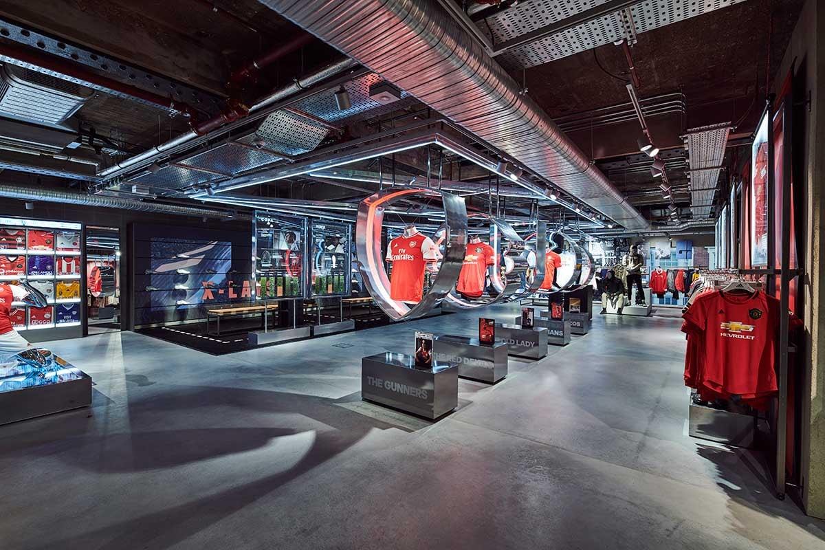 Binnenkijken in Adidas' 'meest digitale winkel ooit'