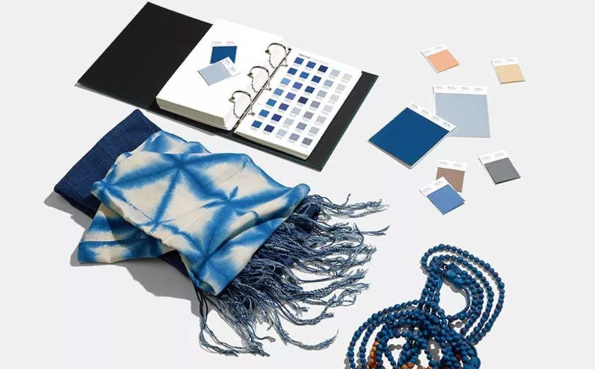 Pantone roept Classic Blue uit tot de kleur van 2020