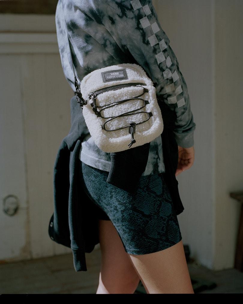 Vans en de New Yorkse ontwerpster Sandy Liang lanceren een nieuwe schoenen-, kleding- en accessoirecollectie