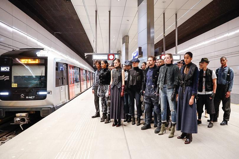 Nietsvermoedende reizigers verrast met G-Star Raw show in Amsterdamse metro