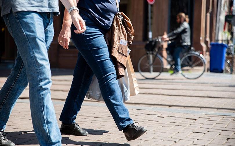 CBS: Omzet retail groeit met tien procent in juli, kleding- en schoenenwinkels draaien nog kleine verliezen