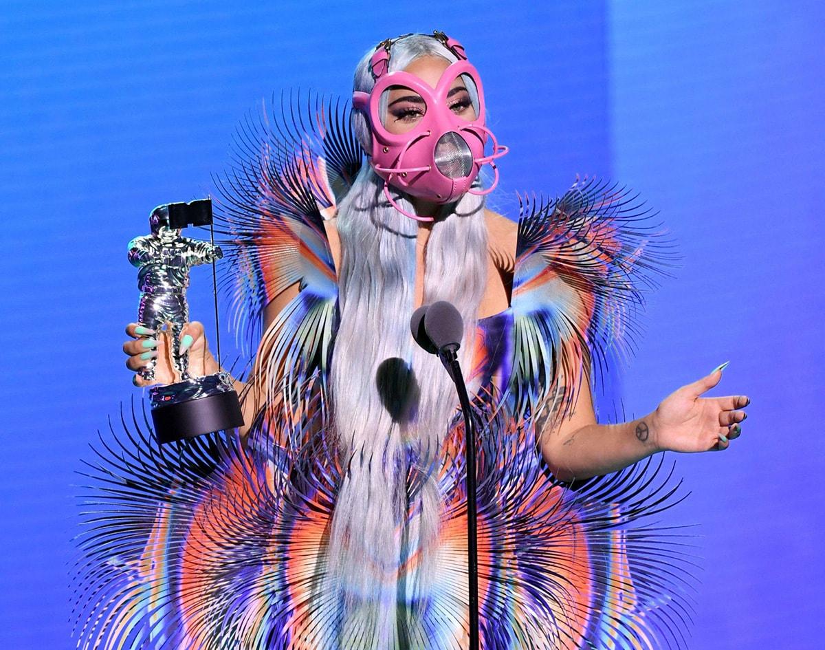 Kijken: Lady Gaga draagt Iris van Herpen tijdens de VMA's
