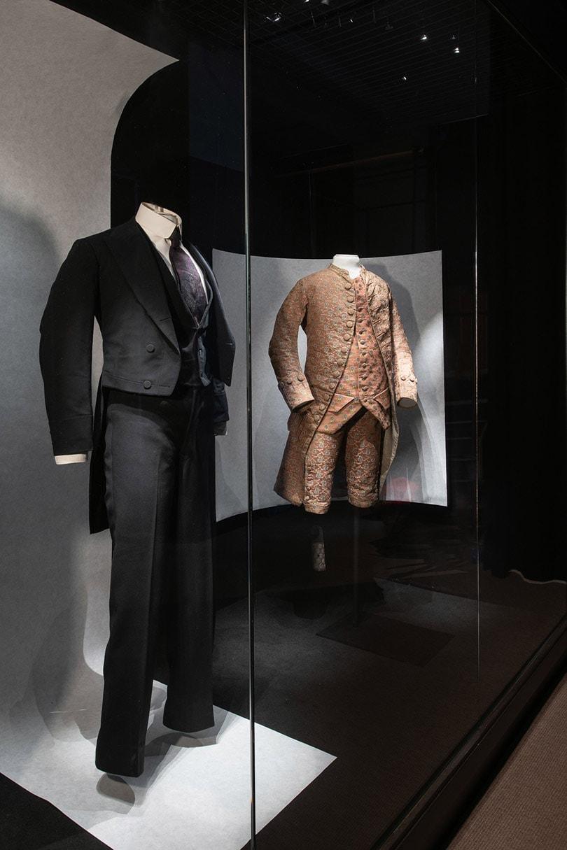 Binnenkijken: De 'Masculinities' tentoonstelling in het Mode- en Kantmuseum