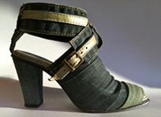 Schoenen van spijkerstof